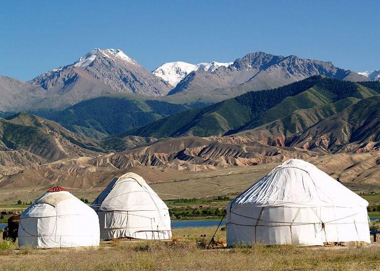 Kyrgyzstan-Ozero-Issyk-K-e1479811664244